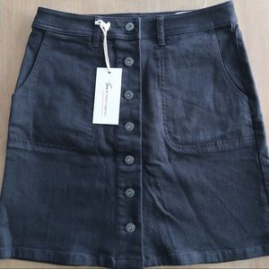 Two by Vince Camuto NWT button down skirt
